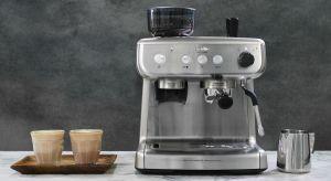 Nowoczesny ekspres do kawy łączy w sobie zaawansowane rozwiązania technologiczne z wyszukanym wzornictwem. Model Breville Barista Max tworzy cały zestaw najpopularniejszych rodzajów kaw - od espresso, przez cappuccino, po latte, czy inne napoje mlecz
