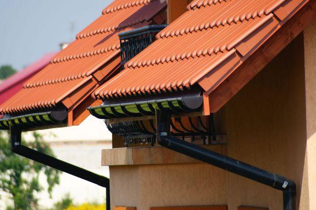 Nowoczesny dach - wybierz rynny z PVC