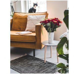 Światło, kolor, ciepło... wnętrza, które przepędzą jesienną chandrę. Na zdjęciu stolik firmy Kik dostępny w różnych kolorach, cena: 29,99 zł. Fot. Kik