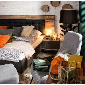 Jak ocieplić wnętrze - dodatki i tekstylia idealne na jesień. Fot. Salony Agata