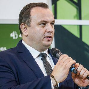 """Jakub Chełstowski. 4Buildings: sesja inauguracyjna """"Zero Waste w budownictwie"""". Fot. PTPW"""