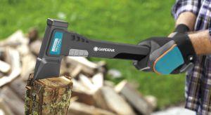 Dźwięk palonego drewna oraz jego specyficzny zapach tworzą niezwykłą, domową atmosferę. Do ogrzewania tego typu potrzebne jest odpowiednie drewno, które wcześniej trzeba starannie przygotować. Sprawdź, jak zrobić to prawidłowo i bezpiecznie!