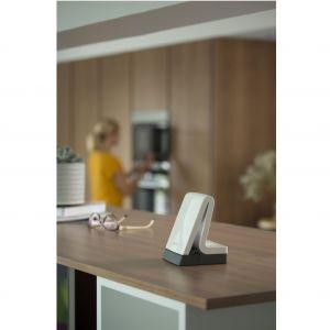 Działająca w technologii bezprzewodowej łączności Z-Wave centrala sterująca domem inteligentnym Tahoma Premium daje możliwość zdalnego zarządzania domowymi urządzeniami. Fot. Somfy