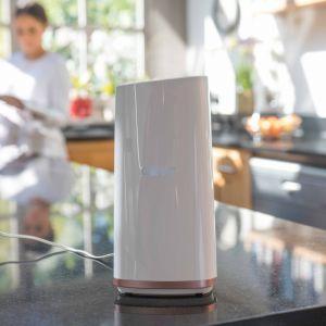 Cover to łatwy do konfiguracji wzmacniacz sygnału Wi-Fi typu mesh, umożliwiający objęcie zasięgiem Wi-Fi wszystkich pomieszczeń i pozbycie się tzw. martwych stref oraz korzystanie z sieci w domu i wokół niego. Fot. D-link