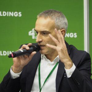 """Paweł Orleański, dziennikarz telewizyjny. 4Buildings: sesja """"Stop smog. Antysmogowe rozwiązania do budynków i mieszkań"""". Fot. PTWP"""