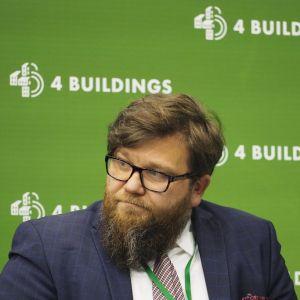 """Bartłomiej Zgorzelski, właściciel BZB Projekt Biuro Zarządzania w Budownictwie. Buildings: sesja """"BIM w Polsce jest i już nigdzie sobie nie pójdzie"""". Fot. PTWP"""