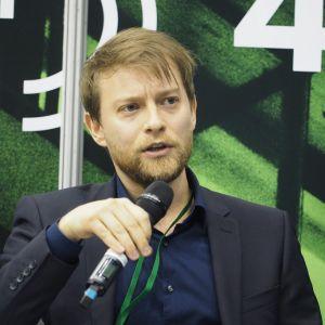 """Jan Rubel, BIM Manager, Kuryłowicz&Associates. 4Buildings: sesja """"BIM w Polsce jest i już nigdzie sobie nie pójdzie"""". Fot. PTWP"""
