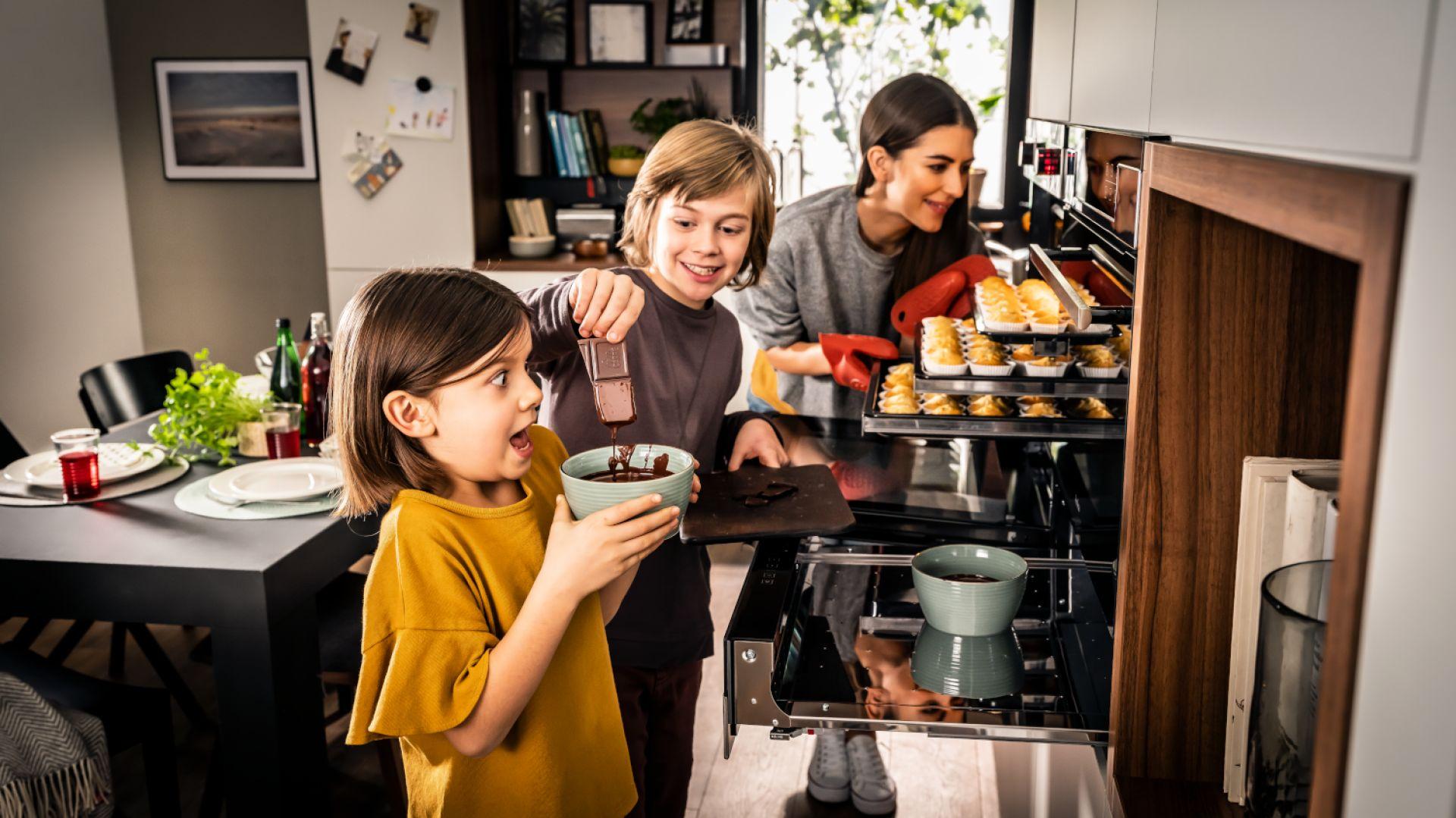BakingPro System™ to nowe funkcjonalności, które zostały zaprojektowane specjalnie z myślą o podniesieniu jakości wypieków. Fot. Amica