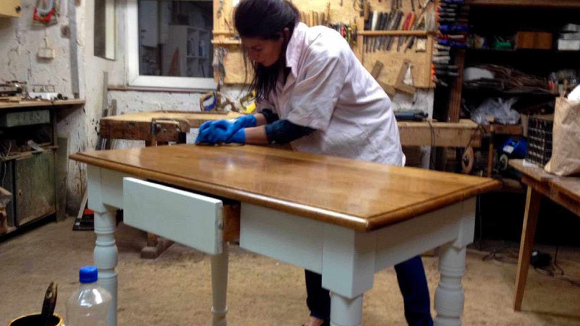 Stare krzesła i akcja renowacja! Porady