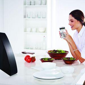 Bezprzewodowy system audio multiroom tworzy tzw. HUB, którego zadaniem jest rozsyłanie muzyki oraz dwa rodzaje głośników – M5 oraz M7. Głośniki możemy ustawić w dowolnym pomieszczeniu. Tu bezprzewodowy system audio Multiroom, Samsung. Fot. Samsung