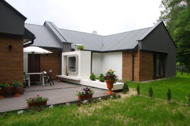 Styropian znany w postaci materiału dociepleniowego jest również wykorzystywany jako element konstrukcyjny do budowy domów. Pierwsze osiedle domów energooszczędnych i pasywnych w tej technologii powstało w Polsce pod Krakowem.