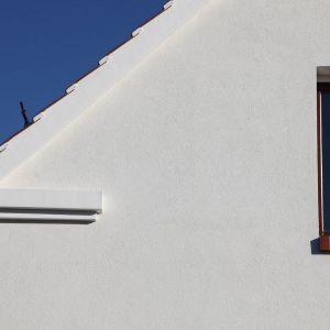 W konstrukcji domów zachowano gzyms w prostej, nowoczesnej formie, jako swoisty symbol unikalności śląskiego budownictwa.