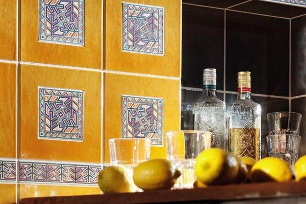Półwysep Iberyjski jest dziś w awangardzie światowej gastronomii – najlepsi szefowie kuchni, restauracje zdobywające nagrody oraz urzekające dania. Żeby poczuć magię Hiszpanii, nie musisz wcale jechać na drugi koniec Europy – zobacz, jak prz