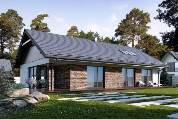 Energooszczędny dom jednorodzinny powinien posiadać prostą bryłę, która jednocześnie będzie interesująca wizualnie. Oba elementy udało się połączyć w projekcie domu Endo 3.