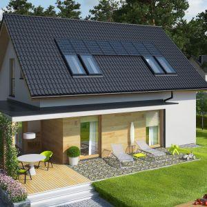 Dom wzbogacono o dużą ilość optymalnie rozmieszczonych okien, które wpuszczają do wnętrza naturalne światło, wypełniając pomieszczenia słońcem i pozytywną energią. Fot. Pracownia Projektowa Archipelag