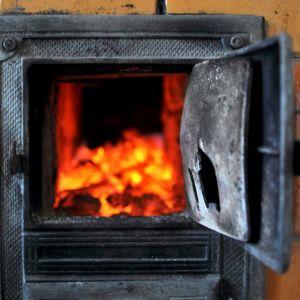 Różnorodne dotacje na wymianę urządzeń grzewczych również sprawiają, że coraz więcej osób myśli o zmianie pieca węglowego lub klasycznego kotła gazowego na bardziej ekologiczne rozwiązanie. Fot. Shutterstock