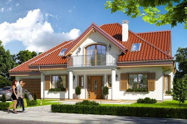 Elewacja domu – wykończona tynkiem to najczęściej spotykany przypadek w krajobrazie domów jednorodzinnych. Tynki zawdzięczają swą popularność atrakcyjnej cenie i bogatej kolorystyce. Dobrze komponują się również z drewnem, kamieniem, blach�