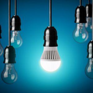 INFORMACJE NA OPAKOWANIU ŹRÓDŁA ŚWIATŁA TYPU LED | ELMIC