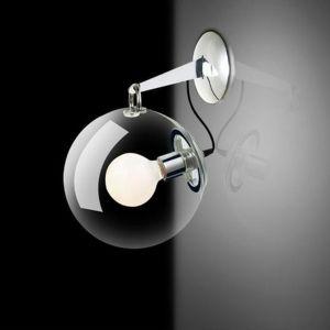 Równie ważnym aspektem podczas zmieniania aranżacji wnętrz jest oświetlenie. Pamiętajmy, aby rozmieścić źródła światła tak, aby ocieplić i odpowiednio rozjaśnić pomieszczenia. Fot. Grupa Okazje