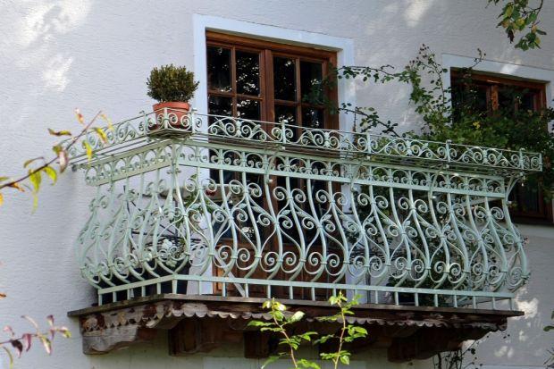 Odświeżamy balustradę balkonu