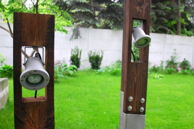 Oświetlenie ogrodowe z drewna i betonu