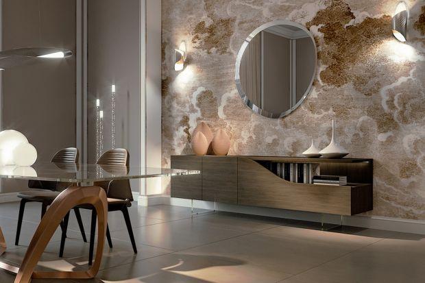 Lekkość i miękkość kształtów brył, przemyślana funkcjonalność, dopracowanie w każdym detalu oraz mistrzowskie połączenie szkła Murano z innymi materiałami to cechy charakterystyczne najnowszej kolekcji marki Reflex zaprezentowanych podczas