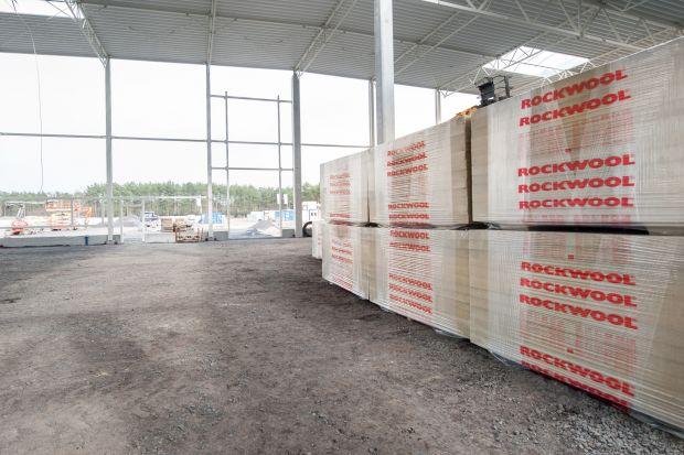 Izolacja dachów płaskich - postaw na wełnę mineralną