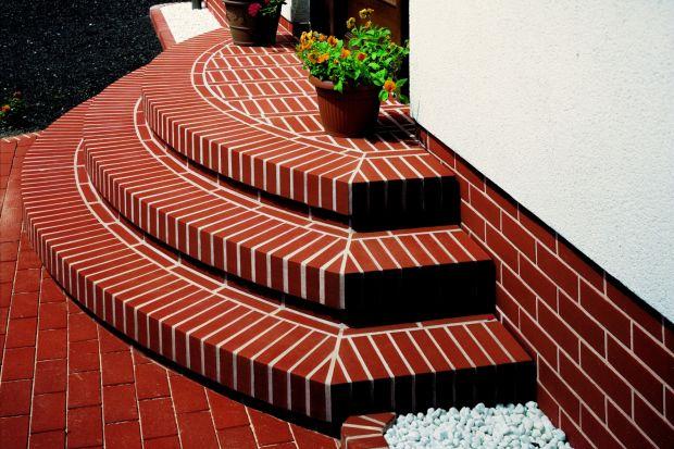 Klinkierowe schody zewnętrzne