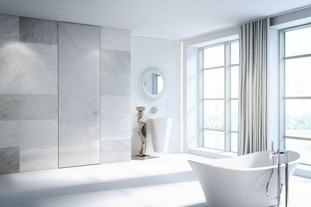 Drzwi wykończone marmurem, trawertynem czy porfirem to marzenie właścicieli wielu eleganckich domów i apartamentów. Marzenie, które długo czekało na spełnienie. Osiągnięcie efektu kamiennych drzwi stało się możliwe dzięki kooperacji marek P