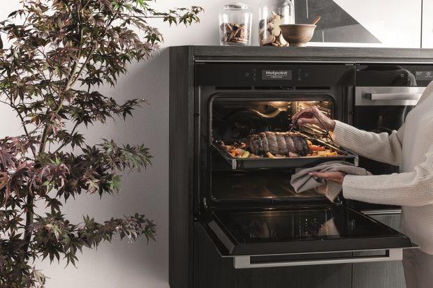Jednym z głównych urządzeń odpowiedzialnych za kulinarne efekty w naszej kuchni jest piekarnik. Dlatego też istotny jest wybór odpowiedniego modelu, dobranego zarówno pod kątem wzornictwa jak i funkcjonalności. Jeśli uwielbiamy piec, warto pomy�