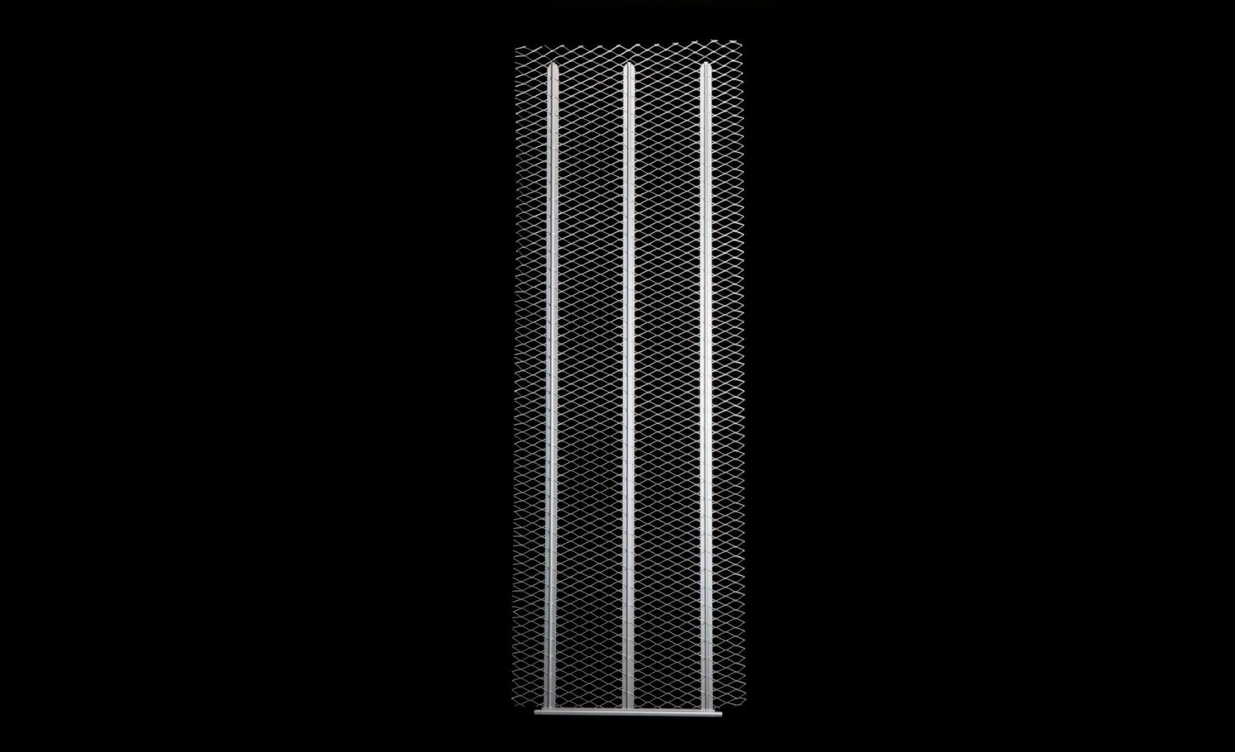 Grzejnik podtynkowy jest inteligentnym połączeniem zalet systemów tradycyjnych i nowoczesnych rozwiązań płaszczyznowych. Cechą indywidualną tego produktu jest prostota i niezawodność znana z tradycyjnych grzejników wiszących oraz prozdrowotnych i ekonomicznych atutów systemów płaszczyznowych. Fot. 3THERMO