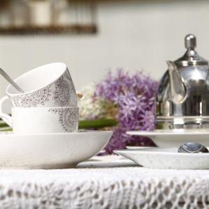 W połączeniu z bardziej wystawnymi liniami porcelany, jak Beatrice i Baron Silver, kolekcja Bolero tworzy nieoczywistą, ale jednocześnie gustowną kompozycję, podkreślającą wyższość porcelany nad wszystkimi innymi elementami na stole. Fot. Ambition