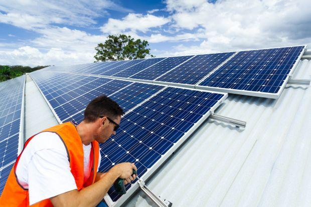 Popmy ciepła są najpopularniejszymi urządzeniami do pozyskiwania energii ze źródeł odnawialnych poszukiwanymi przez użytkowników serwisu Oferteo.pl. Służą one do ogrzewania pomieszczeń jak i podgrzewania wody użytkowej. Polacy najczęściej p