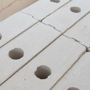 """Na komfort akustyczny w budynku wpływa również jakość oraz właściwości zastosowanych do jego budowy materiałów. Fot. Stowarzyszenie """"Białe murowanie"""""""