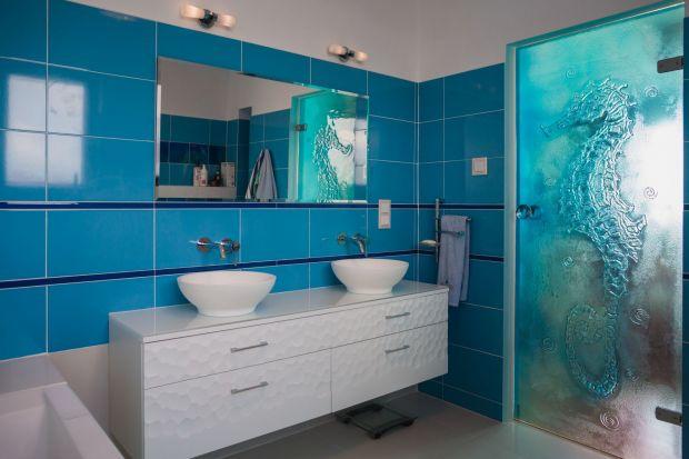 Telewizor w lustrze, czyli nowy trend w aranżacji domowych łazienek