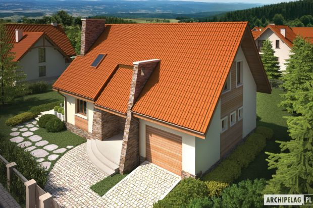 Ten mały dom parterowy z użytkowym poddaszem, z wbudowanym garażem jednostanowiskowym, niepodpiwniczony, przeznaczony jest dla 3-4-osobowej rodziny. Jest domem całorocznym, może jednak pełnić funkcję letniskowego. Budynek oparty jest na prostym rz