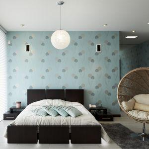 W sypialni świetnie sprawdzą się taśmy LED. Zamontowanie ich w odpowiednich miejscach pomoże stworzyć odprężający nastrój i z pewnością ułatwi zasypianie. Można je umieścić na krawędziach łóżka, dzięki czemu dodadzą pomieszczeniu tajemniczości. Fot. Activejet
