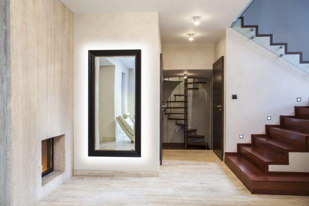 Podpowiadamy 5 sprawdzonych sposobów na oświetlenie wnętrza domu taśmami LED