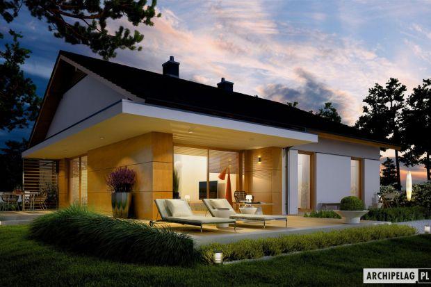 Iwo G1 to atrakcyjny i oszczędny dom, który udowadnia, że prosty nie znaczy nudny. Nowoczesna estetyka, dyskretna elegancja oraz stylowy detal sprawiają, że projekt prezentuje się ciekawie i intrygująco. We wnętrzu zaplanowano czytelny podział st