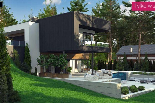 Nowoczesny dom piętrowy z zielonymi tarasami oraz dużymi przeszkleniami. Tak w skrócie można scharakteryzować ten najnowszy projekt ze Studia Z500. Ta prosta, rezydencja o powierzchni ok. 140 mkw. stwarzająca wrażenie, iż położona jest na skarpi