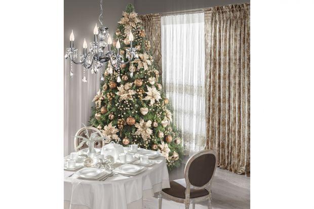 Zanim wraz z najbliższymi spotkamy się przy wspólnym stole, przygotujmy nakrycie, które podkreśli wyjątkowy nastrój świątecznych chwil. Możemy wybrać bardzo stylową lub minimalistyczną aranżację. Pamiętajmy także o najważniejszych symbol