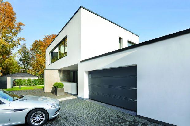 Krzysztof Horała, prezes firmy Hörmann zdradza na co zwrócić szczególną uwagę przy zakupie bramy garażowej. Podkreśla, że montowanie dobrze docieplonej bramy garażowej nie zawsze ma sens,