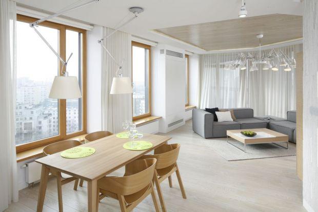 Szwedzi są specjalistami od minimalistycznych i praktycznych wnętrz. Do ostatniego centymetra wykorzystują miejsce, łączą kilka funkcji w jednej przestrzeni, wymyślają nowe przeznaczenia dla sprzętów. Mieszają stylistyki, a mimo tego tworzą ch