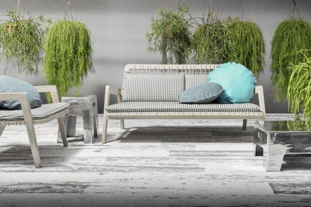 Przedstawiamy nową kolekcję mebli ogrodowych. Zaprojektowała je Paola Navone, która od lat tworzy dla marki Gervasoni w typowym dla siebie eklektycznym stylu łączącym wielokulturowe inspiracje oraz nowoczesność z tradycyjnym rzemiosłem.