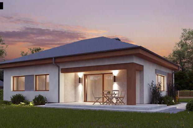 Ten projekt kompaktowego domu parterowego ztarasem powstał z myślą o małej rodzinie. W projekcie Z273 A znajdziemy 3 pokoje, pełniące funkcję sypialni. Dom jest ogrzewany dzięki zastosowaniu pieca na ekogroszek. Niewątpliwą zaletą tego domu j