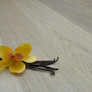 Miłośnikom jasnych, ciepłych tonacji przypadnie do gustu podłoga Vanilla w wybarwieniu przywodzącym na myśl tę słodką i aromatyczną przyprawę. Fot. Kaczkan