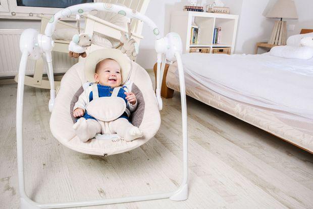 Czas przygotowań do narodzin pierwszego dziecka to jeden z najprzyjemniejszych okresów w życiu przyszłych rodziców. Kompletowanie wyprawki dla maluszka to zakup niezbędnych mebelków, akcesoriów, kosmetyków i przede wszystkim ubranek. Warto także