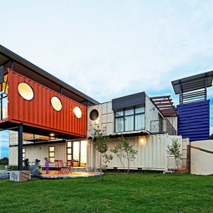 Ten Dom Dziecka powstał w Johannesburgu dzięki architektom z firm 4D i A. Fot. Dennis Guichard