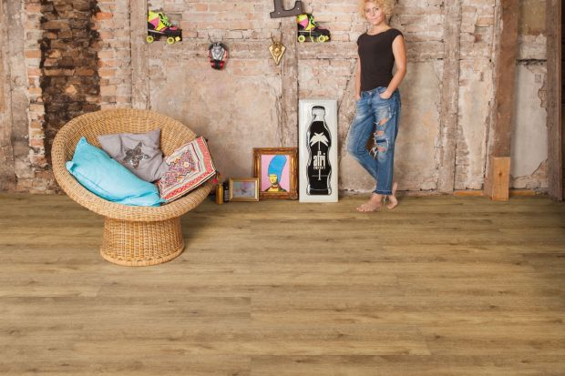 Każdy marzy o pięknej podłodze w swoim domu, jednak czy zawsze spektakularny wygląd jest równoznaczny z dobrą jakością i gwarancją podłogi na lata?