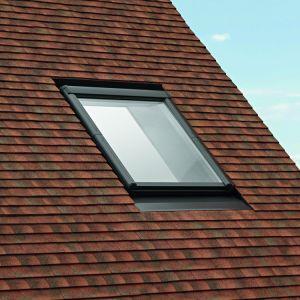 Okno Designo R8 nisko zamontowane. Fot. Roto